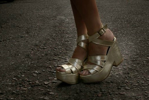 100% doradas estas plataformas de Chao Shoes