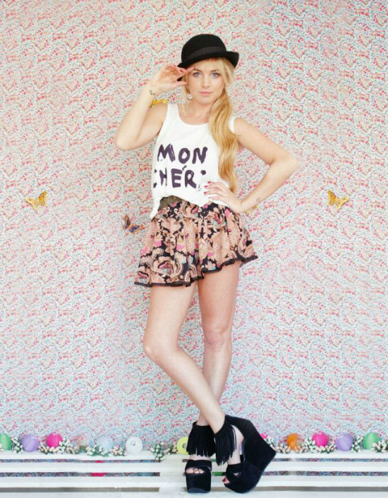 Remera Mon Cheri, Short Bubbles, Cinturon Cute y Zapatos Fringe