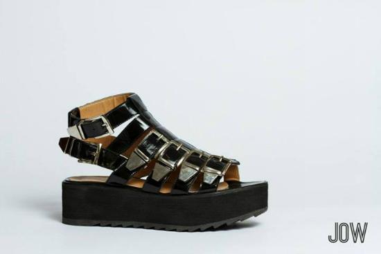 Jow Zapatos tiene este modelito que es muy bello y va muy bien con el 99% de los looks que te mostramos en este post.