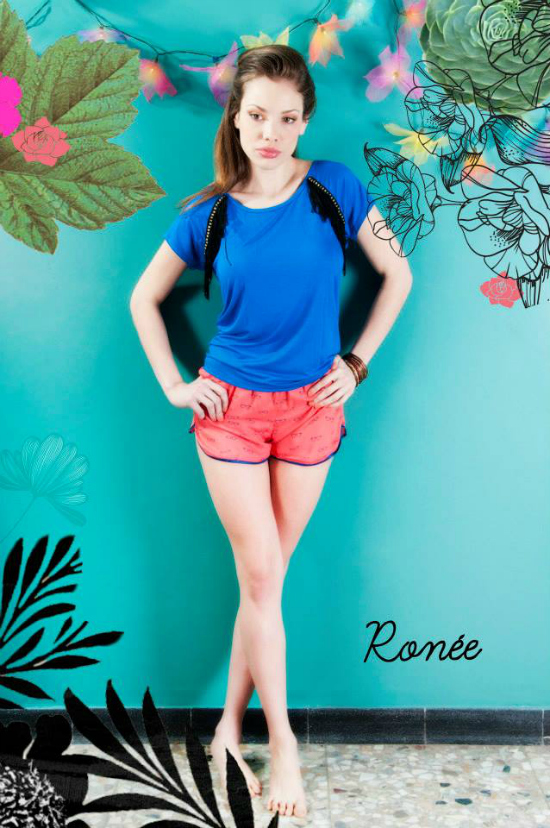 Short Sully estampa anteojos coral con azul Remera Carrousel