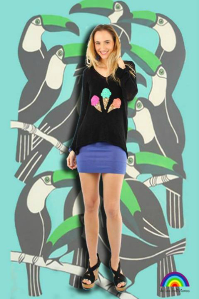 • Sweater Helados negro • Aros pinches piedra  • Pulsera resorte
