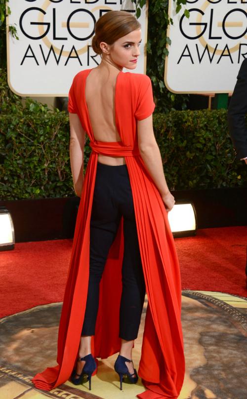 Emma Watson para atrás enamoraba a muchas y a mí me decepcionaba. Aplausos por arriesgarse pero... NO.