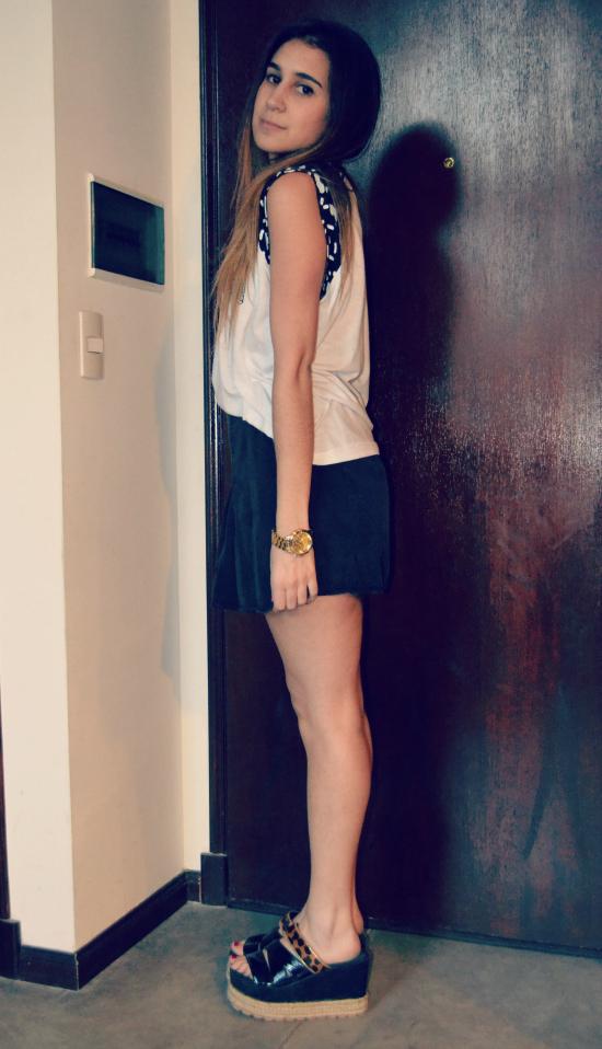 Remera: Guillermina Nu Pollera: Brandy Melville Zapatos: Coca Cox Collar: Forever 21 Reloj: Trendy Shop