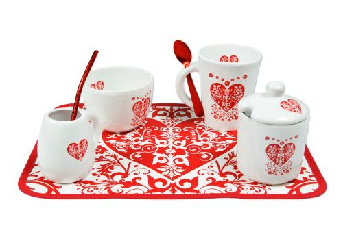 Set de ACABAJO Incluye: taza con cuchara metálica, tazón, mate con bombilla metálica, azucarera e individual. - $426