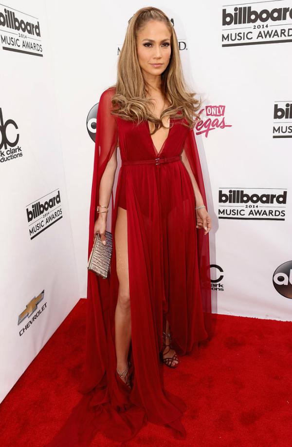 Increíble. J Lo fue una de las mejores vestidas de la noche.