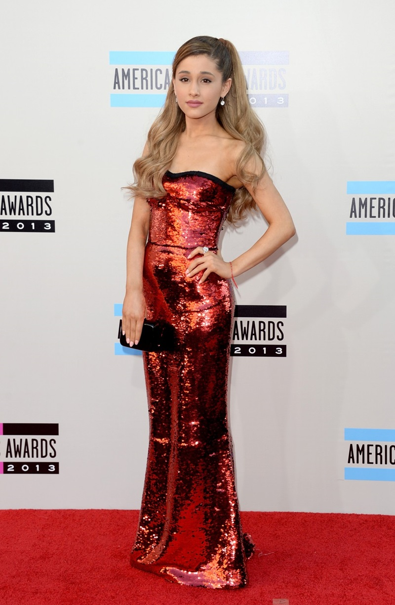 American-Music-Awards-Red-Carpet-2013-Ariana-Grande