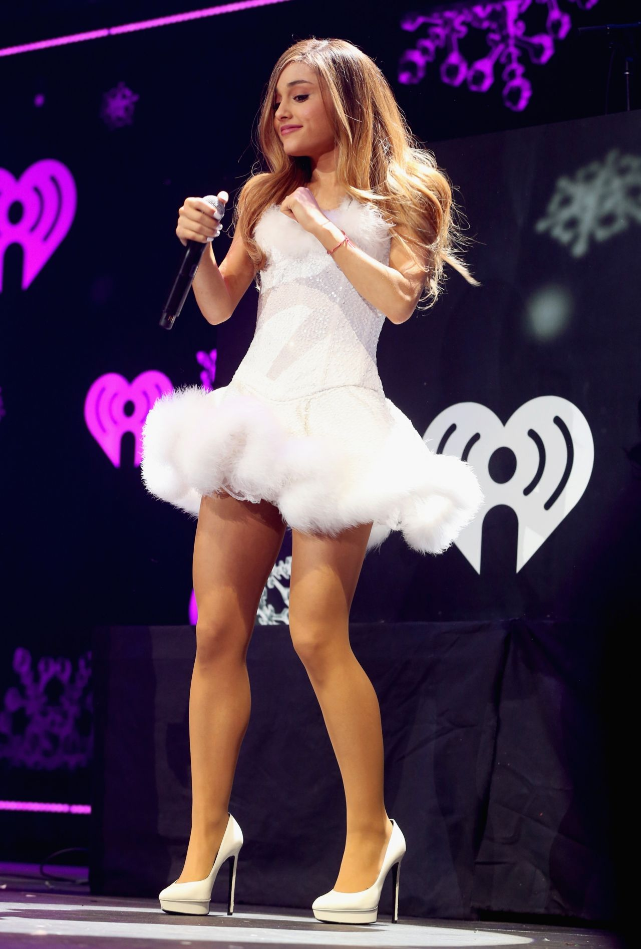 ariana-grande-2013-kiis-fm-s-jingle-ball-in-los-angeles_1