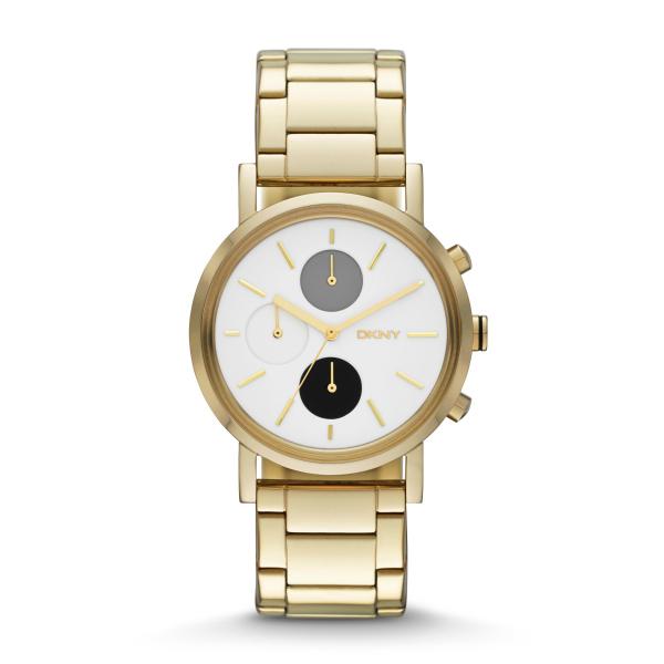 A la hora de elegir un reloj, siempre es bueno tener en cuenta que un básico dorado, puede ser de lo más versátil. Este de DKNY es un ejemplo.