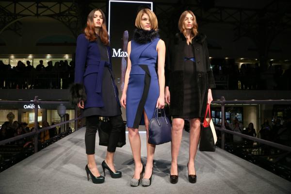 MaxMara mostró su inspiración sport para sacos 7/8 y vestidos azul y negro con recortes arquitectónicos y texturas tecnológicas.