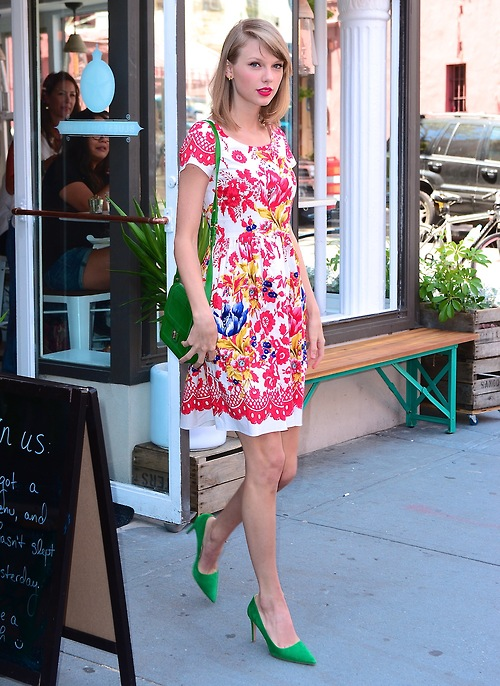 Taylor Swift makes an afternoon coffee break look stunning in NYC