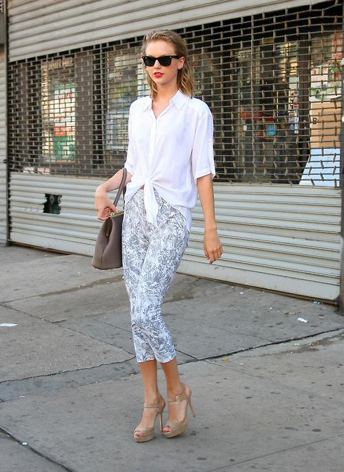 Taylor Swift Steps Out In A White Blouse & Cropped Leggings