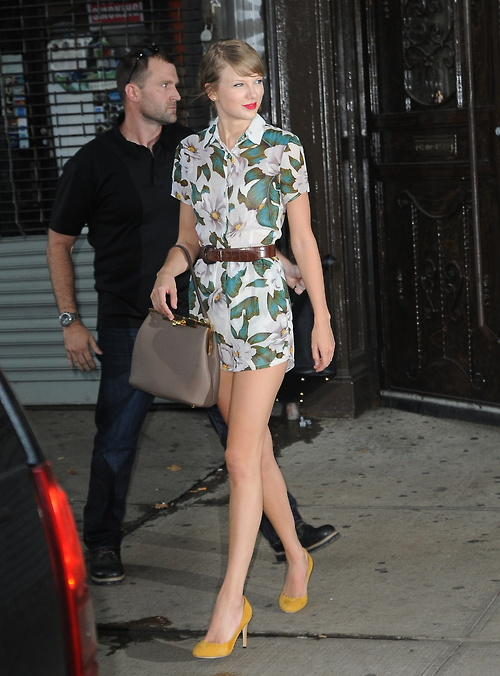 Talyor Swift is all smiles as she leave the gym in NYC