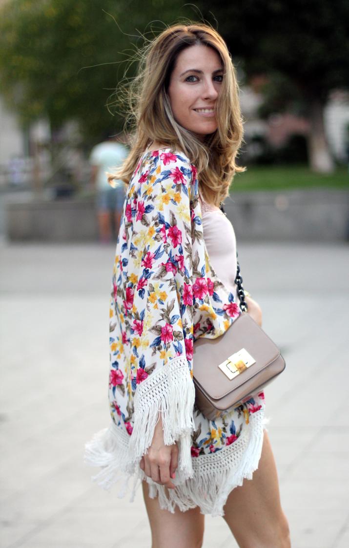 Floral_kimono-fashion_blogger_Barcelona-Monica_Sors-21