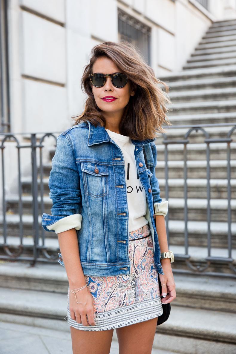 Paisley_Skirt-Bershka-Feline_Top-Denim_Jacket-Epos-Outfit-Street_style-12