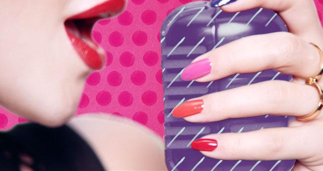 Los clásicos rojo y rosa son infaltables en la línea de Rita Ora. Y mirá lo que es ese naranja que se asoma por ahí.