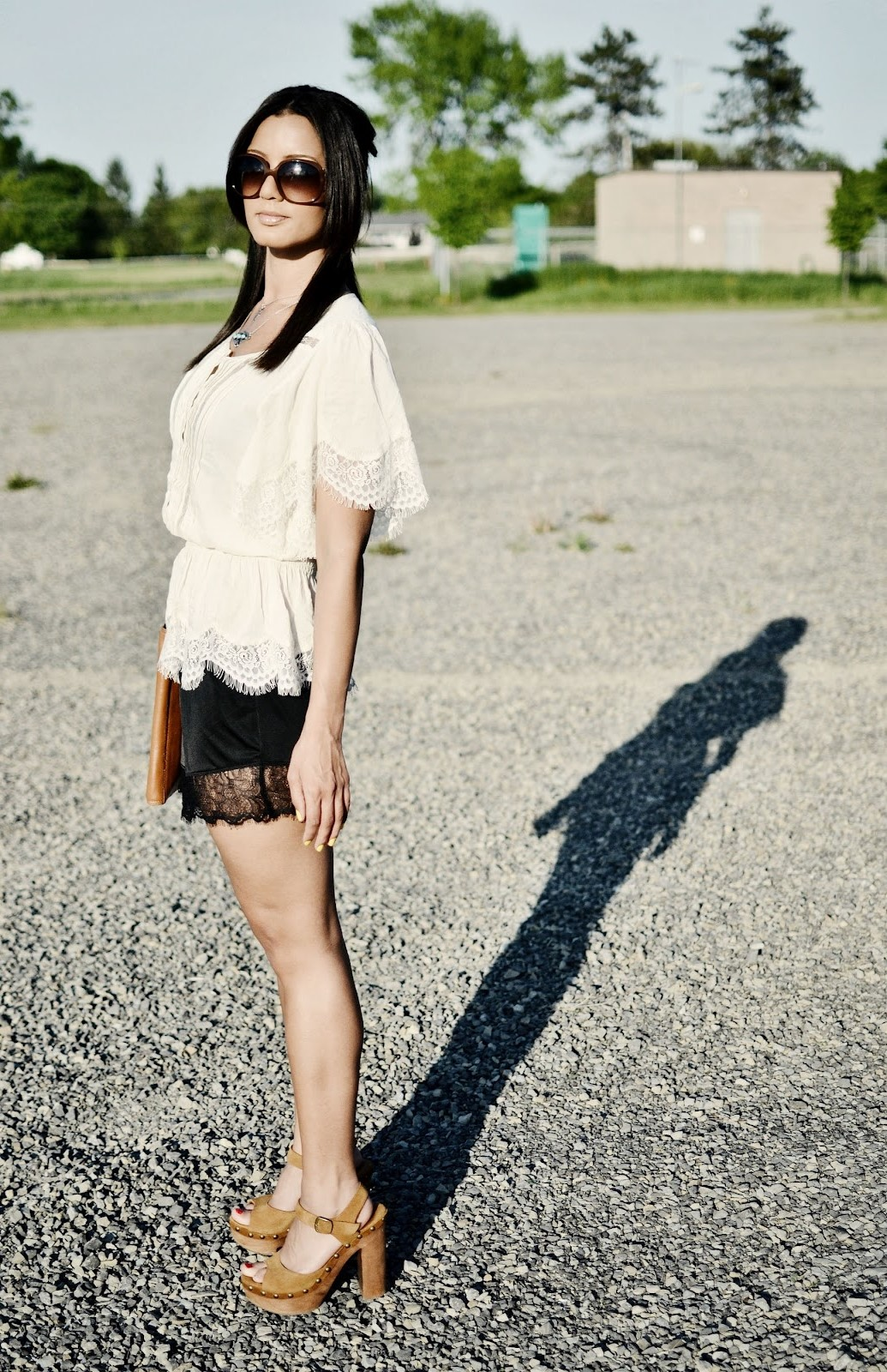 lace blouse street style
