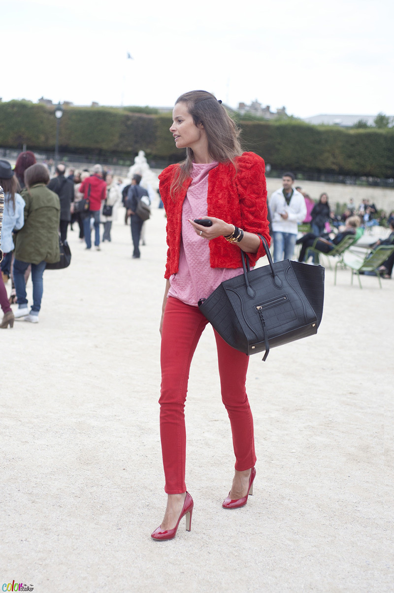 paris-fashion-week-all-red-outfit-with-pink