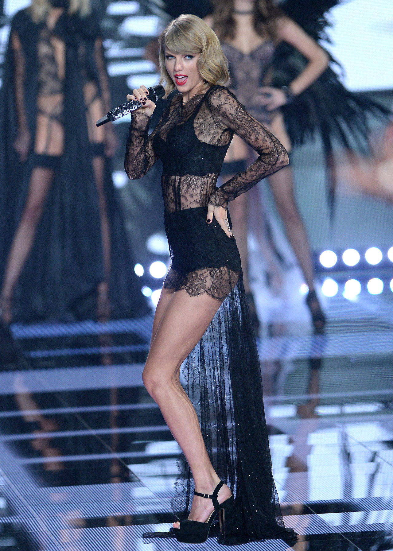 The Victoria's Secret Fashion Show London 2014 **STRICTLY NO WEB UNTIL 9.15PM GMT DEC 2ND**