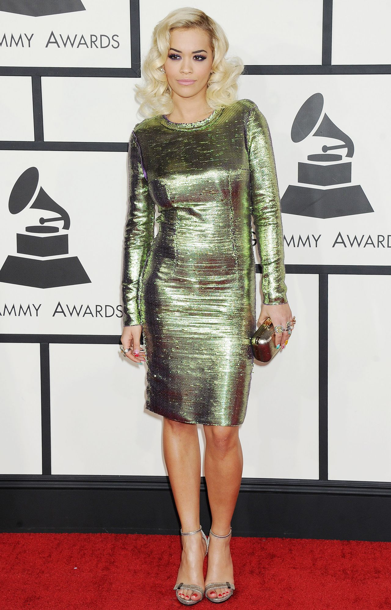 rita-ora-on-red-carpet-2014-grammy-awards_5