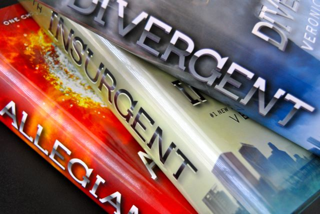 Currently-Divergent-Books