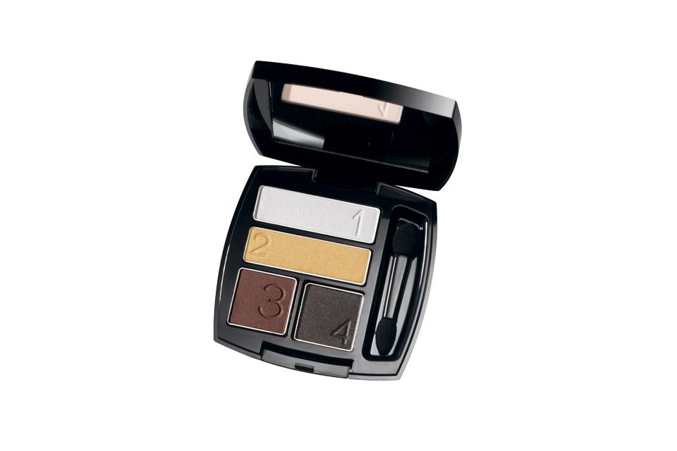 En materia de makeup uno de los productos que más me gustó es este cuartero de sombras en tonos metal.