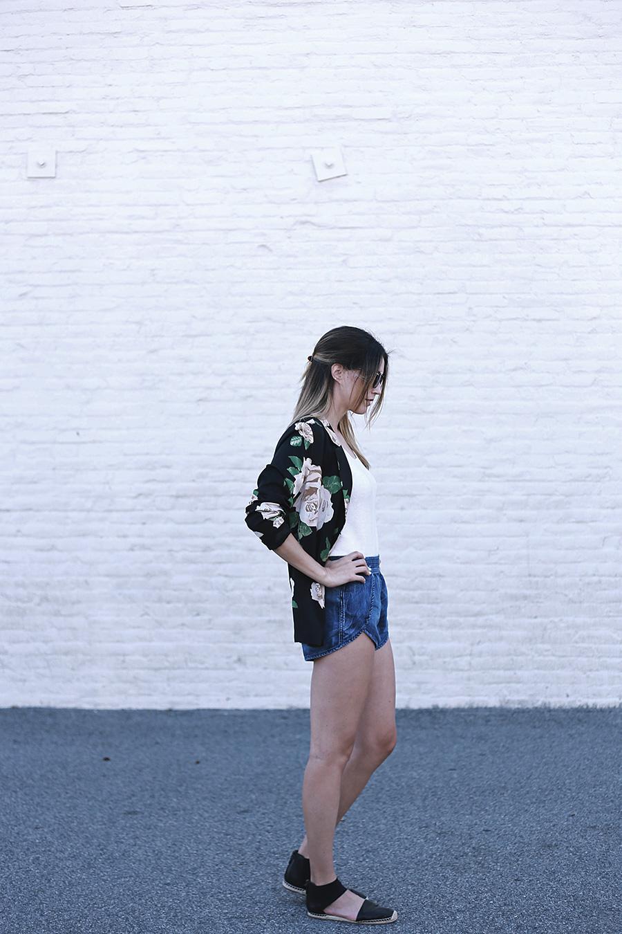 Forever-21-Floral-Blazer-Tulip-shorts-Slumlove-sweater-5
