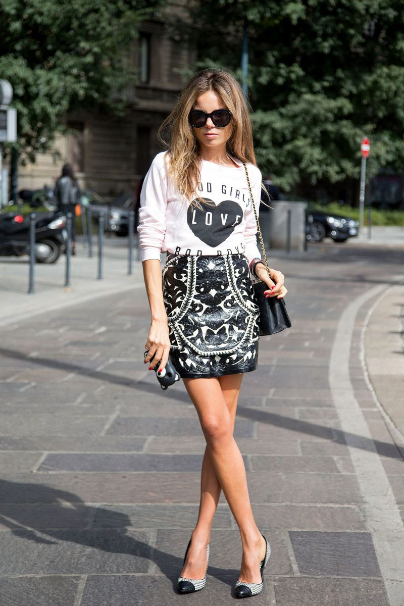 STREET STYLE GRAPHIC TEE AND PRINTS Erica Pelosini