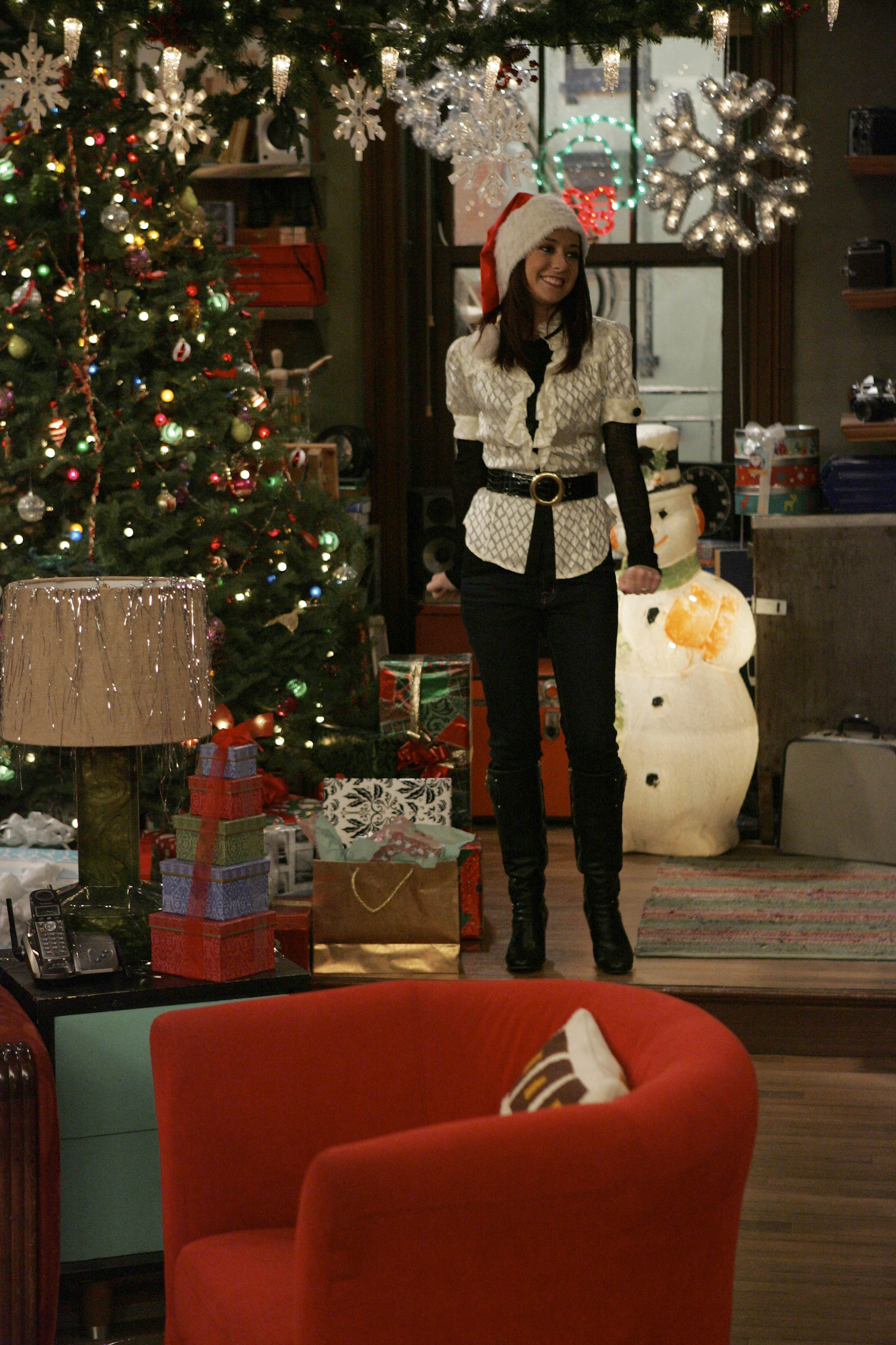 """How Lily Stole Christmas"" -- episodic coverage of the CBS series HOW I MET YOUR MOTHER. Photo: Robert Voets/CBS ©2006 CBS Broadcasting Inc. All Rights Reserved."