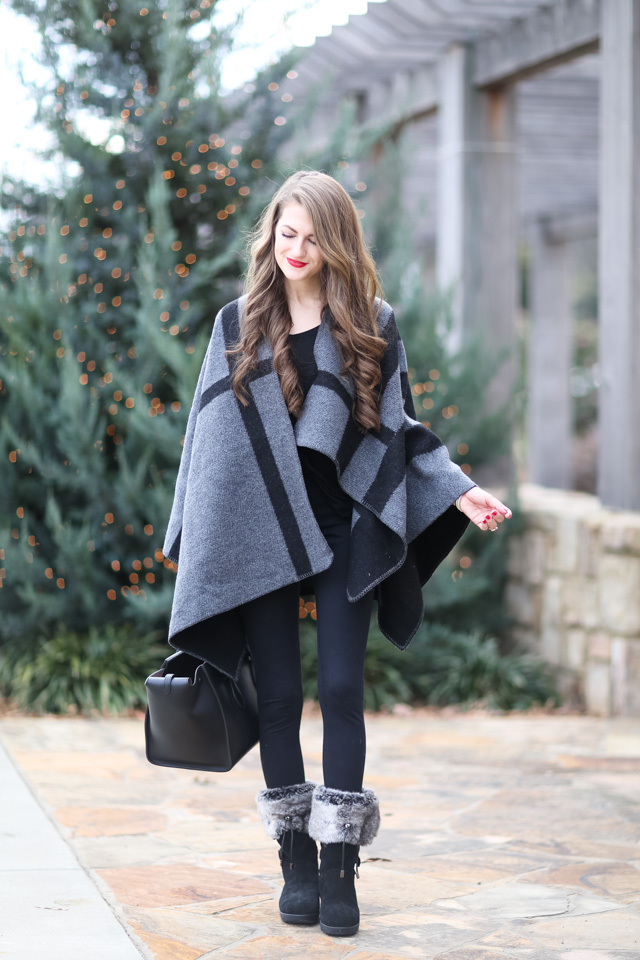 Christmas outfit inspiration faux fur vest black white-9