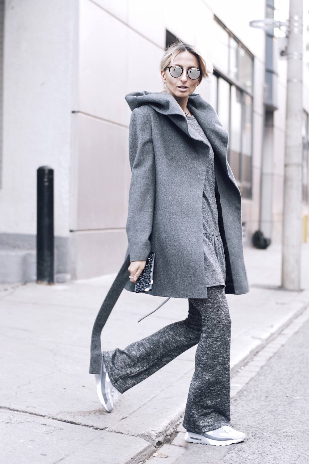 All-grey-outift-monochrome-street-style-05