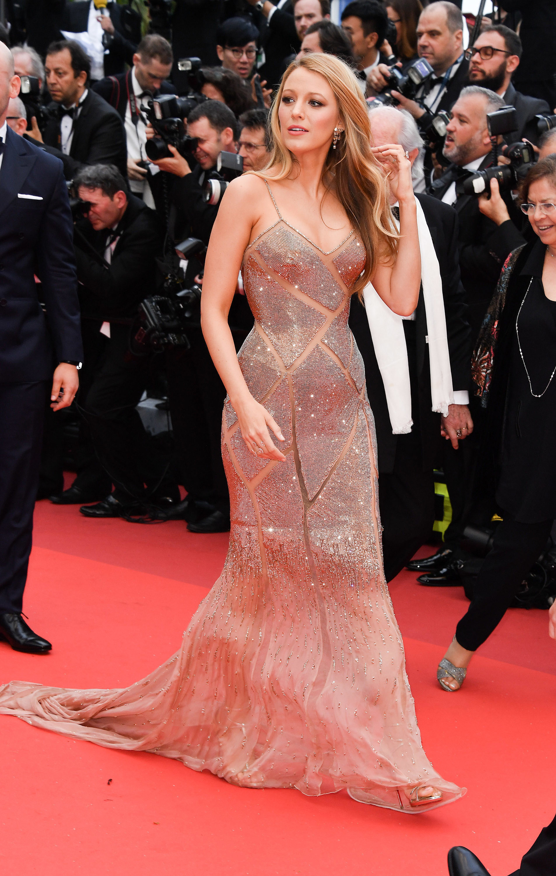 blake-lively-cannes-look-7