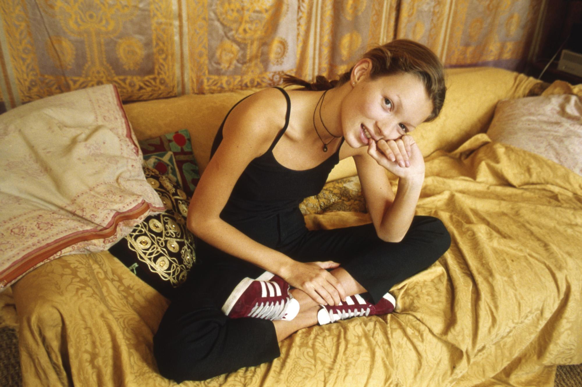 Esta es la fotografía original de Kate Moss usando Gazelle en 1993.