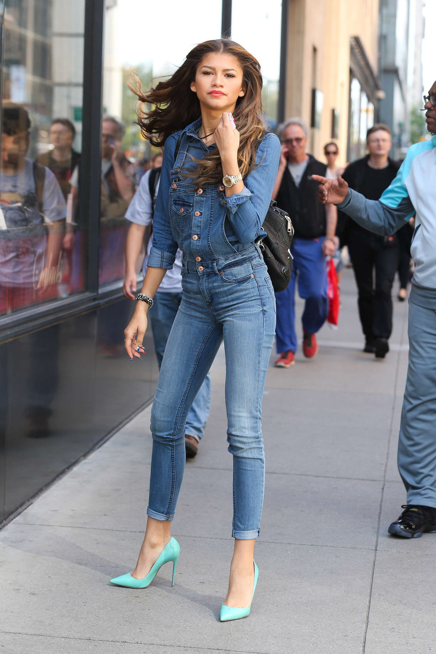 zendaya-coleman-jeans-street-style-111