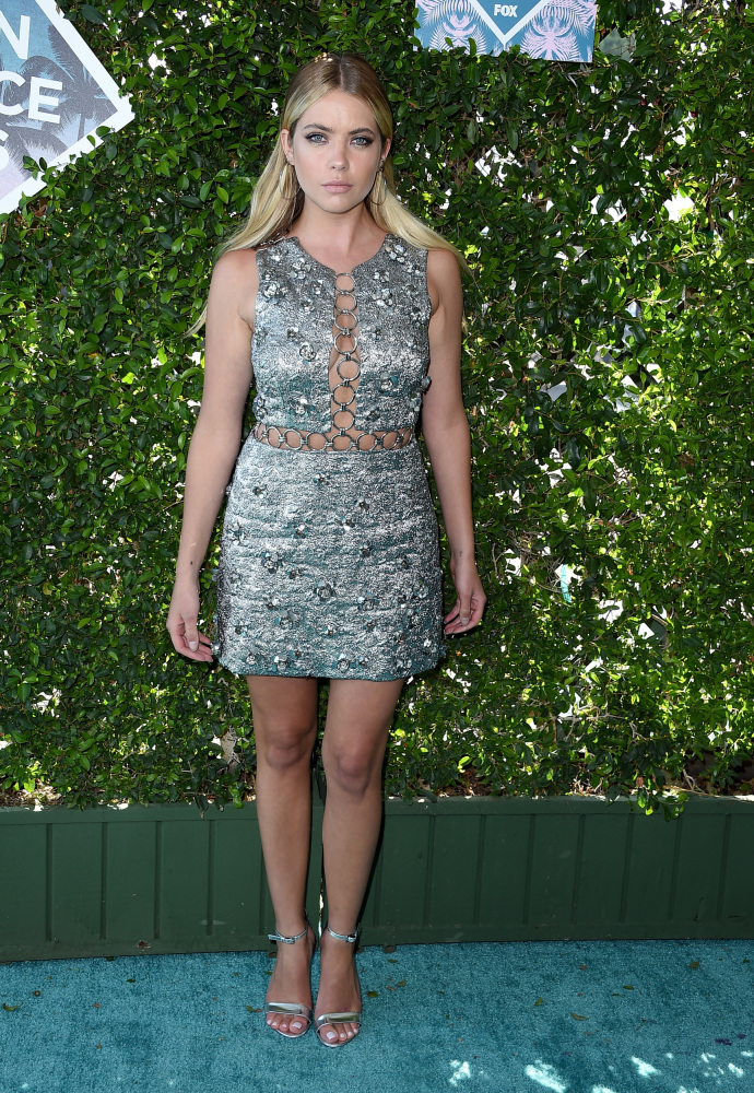 Ashley_Benson_Teen_Choice_Awards_Fashion_Diaries