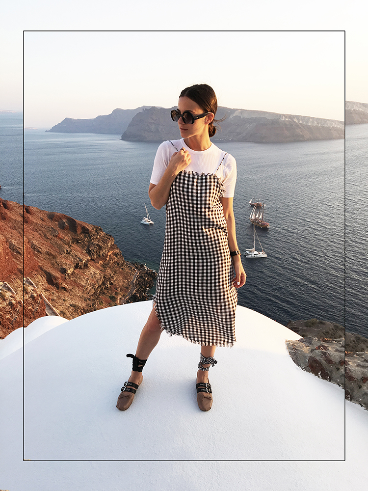 skater-checks-fashionvibe-santorini