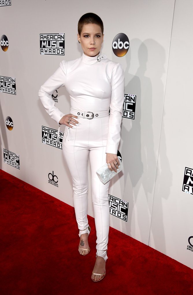 amas-2016-red-carpet-fashion-diaries-halsey