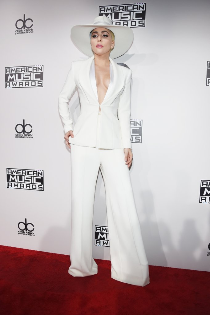 amas-2016-red-carpet-fashion-diaries-lady-gaga